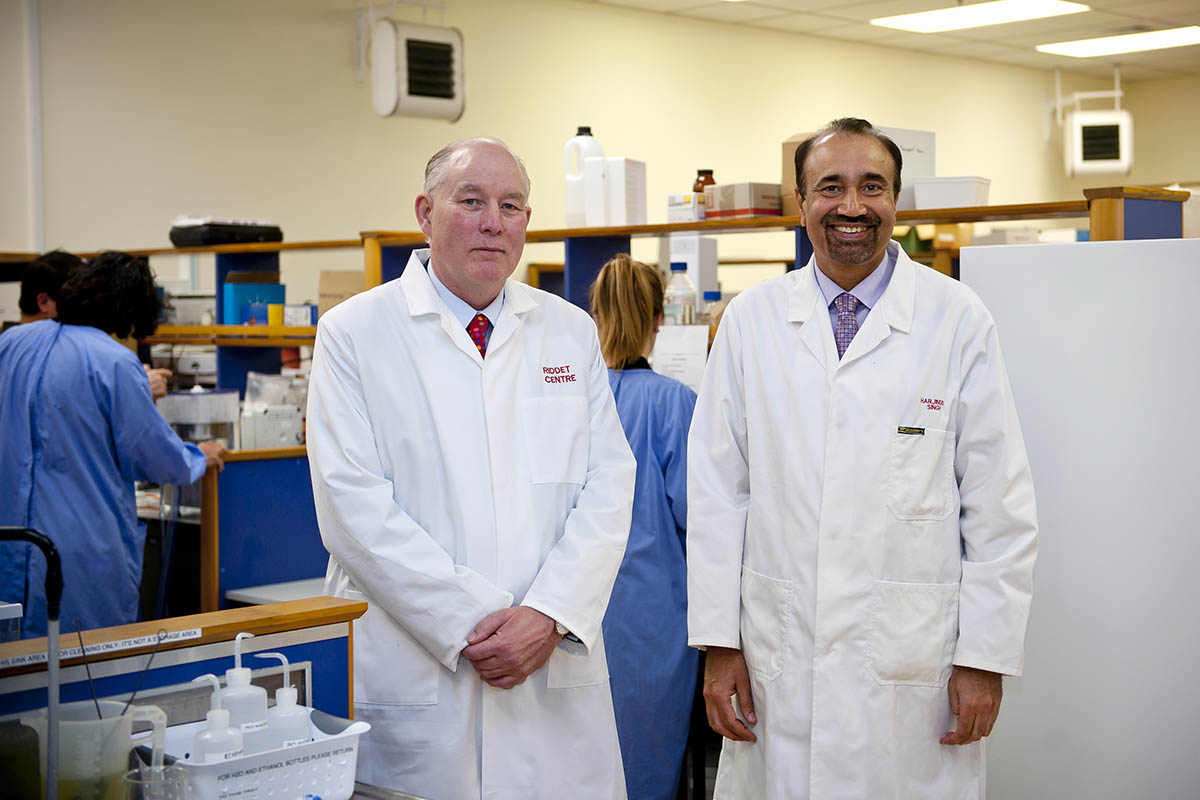 Distinguished Professor Paul Moughan and Professor Harjinder Singh (L to R) in the Riddet Institute Lab